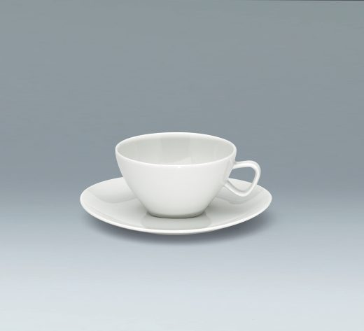 Cup and saucer low