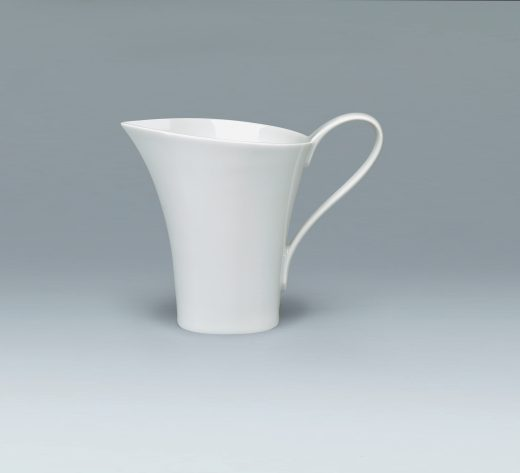 Tradition Creamer elegant